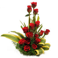 Vibrant 15 Red Roses in a Basket with Romantic Thrill
