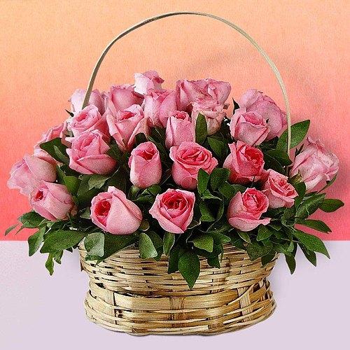 Lovely Arrangement of Pink Coloured Roses