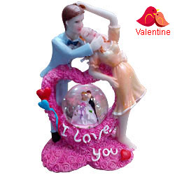 Elegant I Love You Couple with LED Lighted Crystal Globe Showpiece
