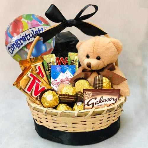 Delicious Gift Basket of Chocolates N Teddy