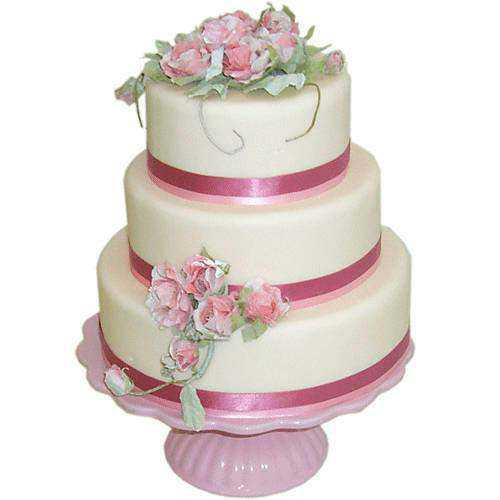 Stylish Three-Tier Wedding Cake