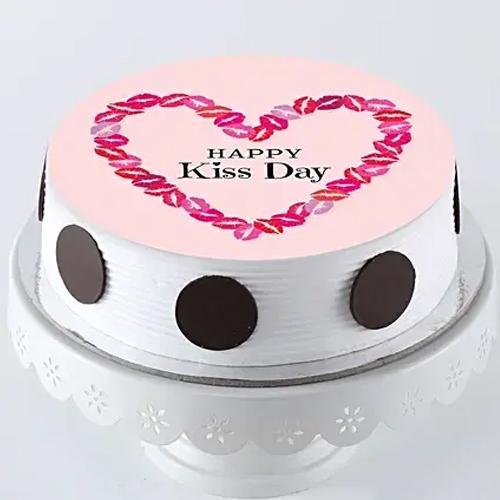 Delightful Gift of Creamy Vanilla Flavor Photo Cake