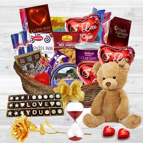 Exclusive Awaiting Valentine Gift Hamper