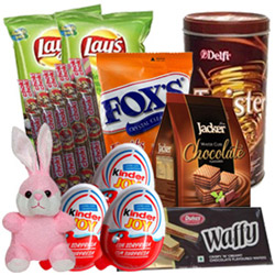 Delightful Chocolates N Assortments Hamper
