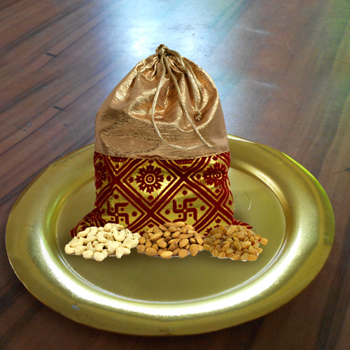 Designer Golden Plated Thali with Crispy Dry Fruits Pack