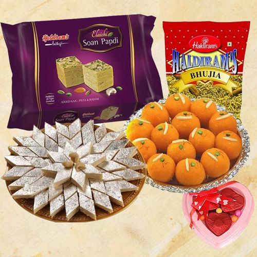 Haldirams Appetizing Gift Combo