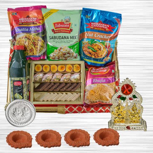 Delightful Festive Gift Hamper for Diwali