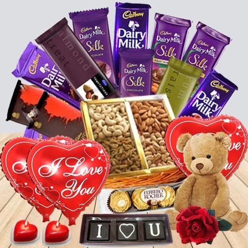 Adorable Be My Valentine Gift Hamper