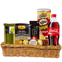 Remarkable Gift Hamper of Gourmets