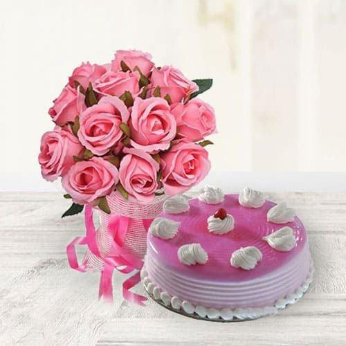 Scrumptious Strawberry Cake with Pink Roses