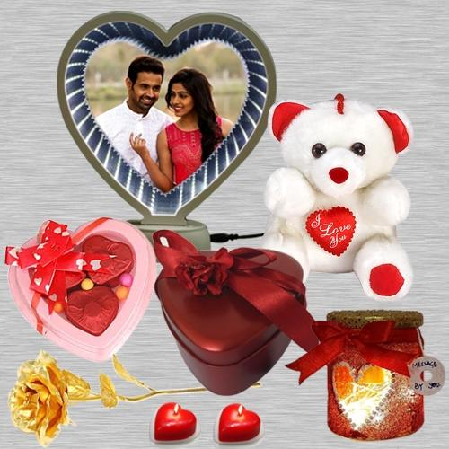 Charismatic Valentine Day Gift Hamper