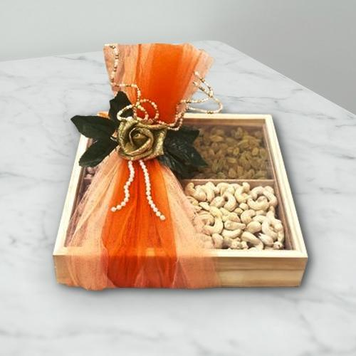 Delicious Cashew n Raisins in Gift Box