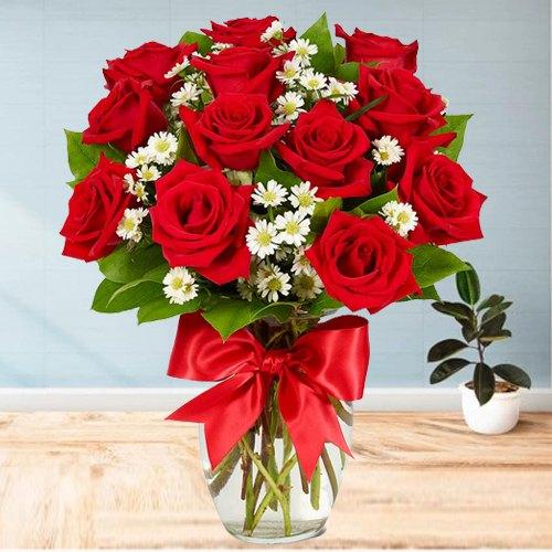 Wonderful Dutch Roses in a Vase