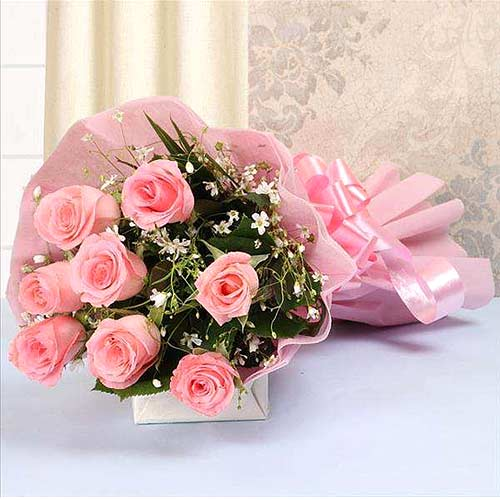 Stylish Pink Roses Bouquet