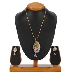 Excellent Pendent and Earrings Set