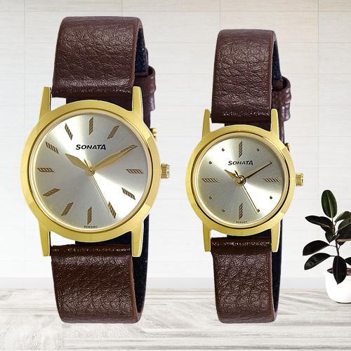 Stunning Sonata Analog Gold Dial Mens Watch
